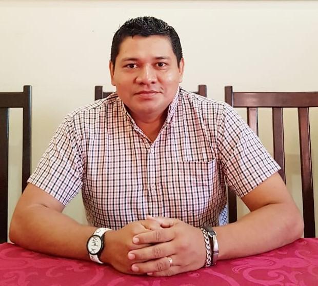 Dr. Luis Miguel Apinaye Sosa